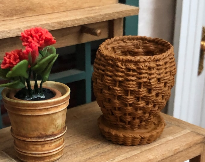 Miniature Planter, Wicker Look Garden Planter with Attached Saucer, Dollhouse Accessory, Fairy Garden Miniature Garden Decor, Mini Planter