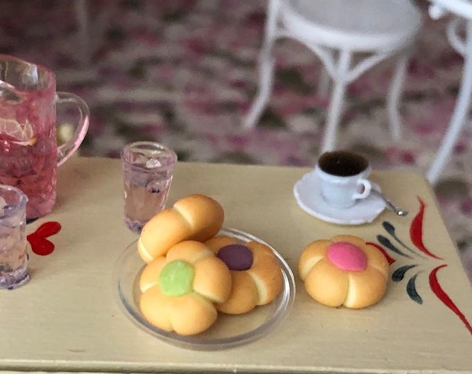 Miniature Cookies, Mini Flower Cookies, Set of 4, Dollhouse Miniature, 1:12 Scale, Miniature Food, Dollhouse Accessory, Decor, Crafts