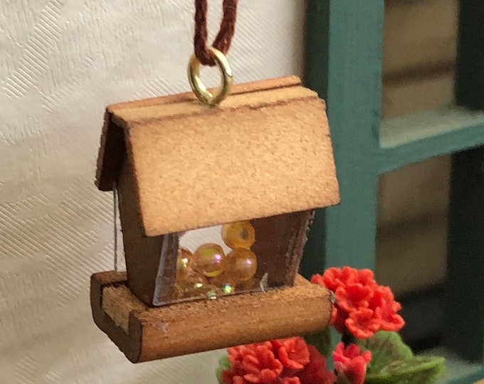 Miniature Bird Feeder, Mini Wood Feeder, Dollhouse Miniature, 1:12 Scale, Dollhouse Decor, Accessory, Miniature Garden Decor