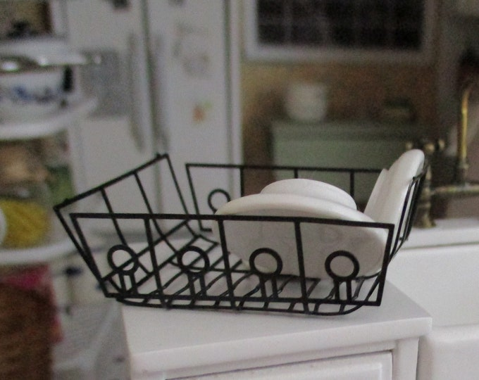 Miniature Dish Drainer With Dishes, Mini Black Dish Drain With 3 White Ceramic Dishes, Dollhouse Miniature, 1:12 Scale, Dollhouse Decor
