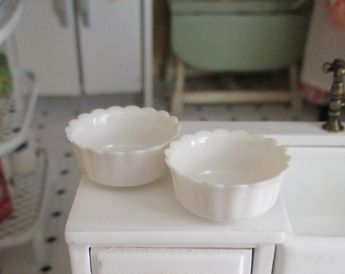 Miniature Bowls, White Bowls, 2 Piece Set, Dollhouse Miniature, 1:12 Scale, Dollhouse Kitchen Decor, Accessory, Mini Scallop Edge Bowls