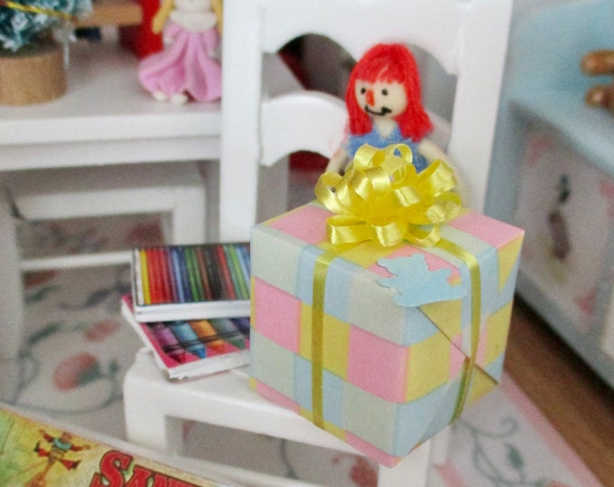 Wrapped Baby Gift, Mini Gift With Yellow Bow, Dollhouse Miniature, Style #013, 1:12 Scale, Dollhouse Decor, Accessory, Nursery Baby