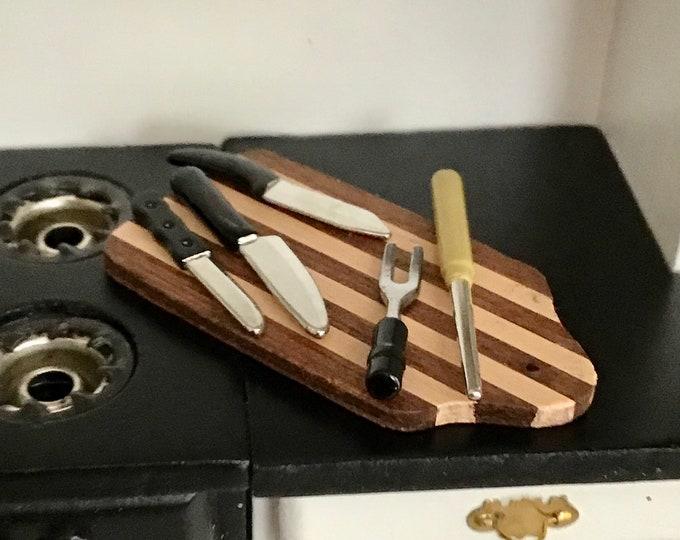 Miniature Kitchen Knife Set, 5 Piece Set, Dollhouse Miniatures, 1:12 Scale, Dollhouse Kitchen Accessory, Decor, Mini Knives