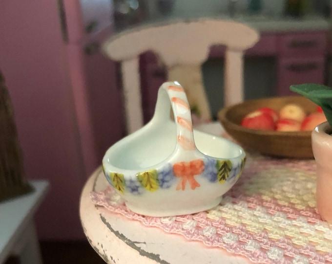 Miniature Basket, Mini Ceramic Basket, Dollhouse Miniature, 1:12 Scale, Dollhouse Accessory, Decor, Crafts, Mini Basket 1 Inch Scale