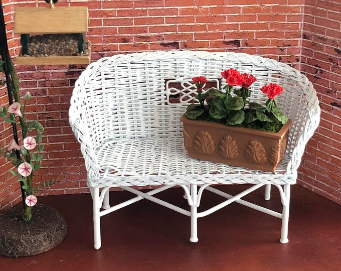 Miniature Rattan Look Couch, Mini White Couch, Metal Couch, Dollhouse Miniature, 1:12 Scale, Dollhouse Furniture
