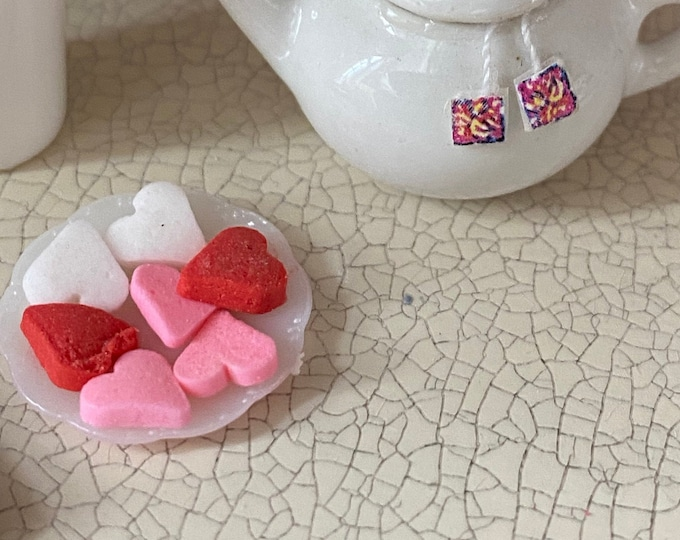 Miniature Heart Shaped Cookies on Plate, Mini Valentine Cookies, Dollhouse Miniature, 1:12 Scale, Dollhouse Food, Mini Cookies