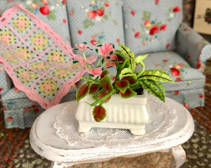 Miniature Plants, Mini Arrangement in Ceramic Planter, Dollhouse Miniature, 1:12 Scale, Dollhouse Decor, Accessory, Mini Plants