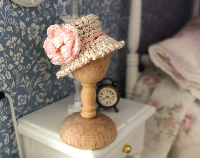 Miniature Hand Crocheted Hat With Flower, Dollhouse Miniature, Dollhouse Accessory, Decor, Mini Hat with Rose