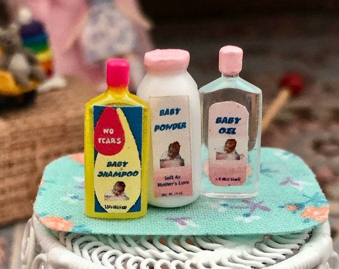 Miniature Baby Products Set, Baby Powder, Shampoo and Oil Bottles, 3 Piece Set Dollhouse Miniatures, 1:12 Scale, Dollhouse Accessories