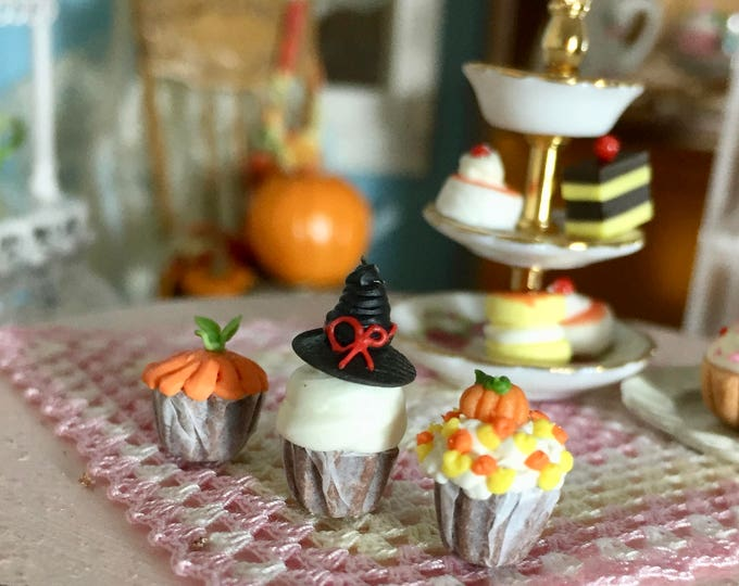 Miniature Halloween Cupcakes, Set of 3, Dollhouse Miniature, 1:12 Scale, Miniature Food, Mini Cupcakes, Dollhouse Food, Accessories, Decor