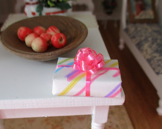 Miniature Wrapped Gift, Mini Gift With Pink Bow, Dollhouse Miniature, Style #09, 1:12 Scale, Dollhouse Decor, Accessory