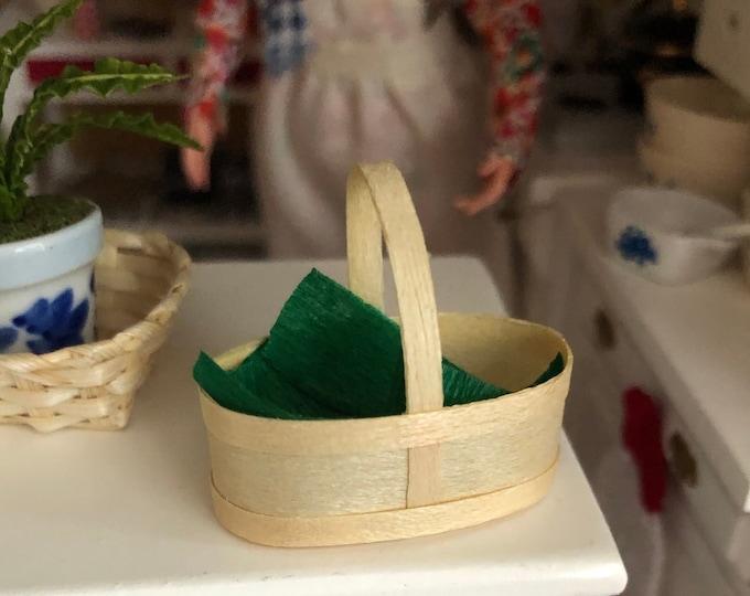 Miniature Basket, Mini Chip Wood Basket with Green Liner, Dollhouse Miniature, 1:12 Scale, Mini Product, Wood Basket, Dollhouse Decor