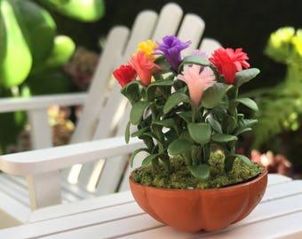 Miniature Lilliput Zinnias in Clay Flower Pot, Dollhouse Miniature, 1:12 Scale, Dollhouse Flowers, Miniature Flowers, Mini Zinnias