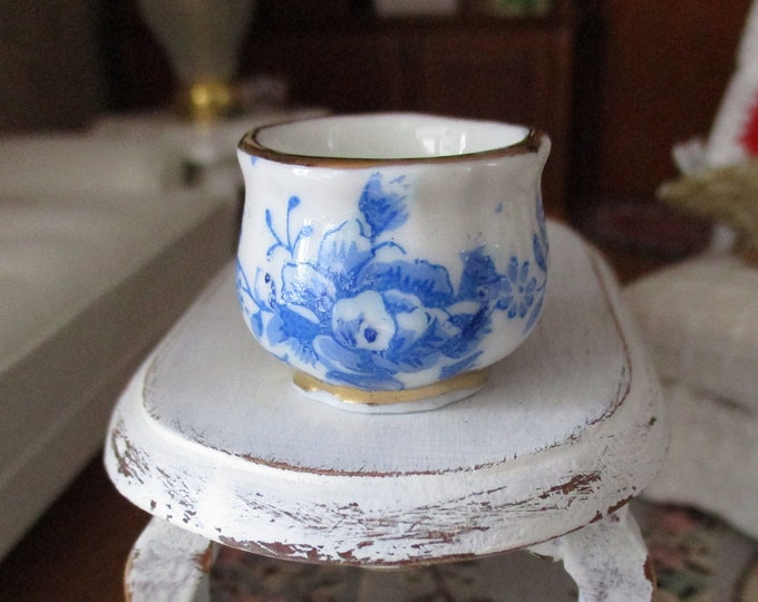 Miniature Flower Pot, Mini Blue & White Floral Planter, Style #19, Dollhouse Miniature, 1:12 Scale, Dollhouse Accessory, Decor