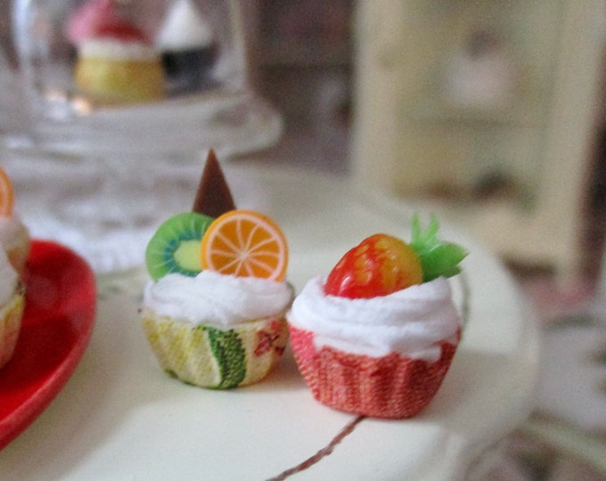 Miniature Cupcakes, 2 Frosted Fruit Topping Mini Cupcakes, Style #93Dollhouse Miniatures 1:12 Scale, Mini Food, Dollhouse Decor