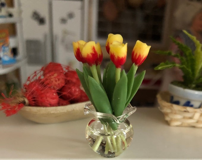 Miniature Tulips in Glass Look Vase, Dollhouse Miniature, 1:12 Scale Miniature, Mini Tulips, Flowers in Vase, Dollhouse Decor, Accessory