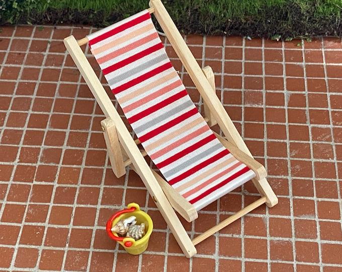 Miniature Beach Chair & Bucket of Shells, Mini Folding Chair and Bucket and 4 Shells, Dollhouse Miniatures, 1:12 Scale, Chair, Sea Shells