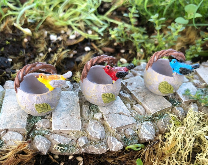 Mini Bird Basket, Resin Basket with Perching Bird, Choose from 3 Colors, Fairy Garden Accessory, Miniature Home & Garden Decor