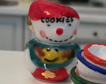 Miniature Snowman Cookie Jar, Ceramic Mini Cookie Jar, Dollhouse Miniature, 1:12 Scale, Dollhouse Accessory, Holiday Decor, Mini Jar