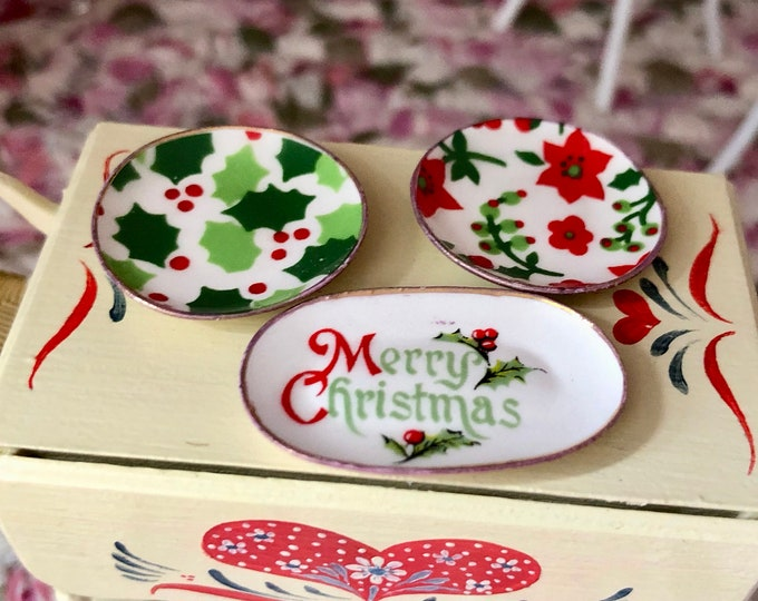 Miniature Christmas Dishes and Platter Set, Holiday Dishes, Dollhouse Miniature, 1:12 Scale, Dollhouse Holiday Decor, Accessory, Crafts
