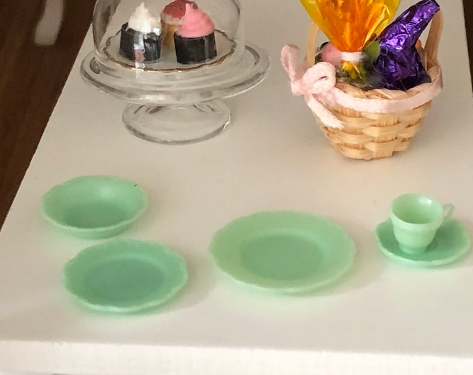 Miniature Place Setting Set, 5 Piece Jadeite Look Mini Plates, Cup and Saucers, Dollhouse Miniature, 1:12 Scale, Dollhouse Accessory, Decor