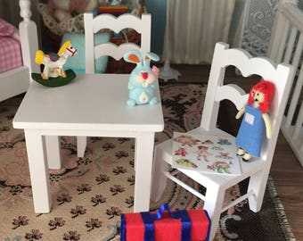 Miniature Child Table and Chair Set, White Wood Play Table and Chair Set, Dollhouse Miniature, 1:12 Scale, Dollhouse Furniture, Kids Table