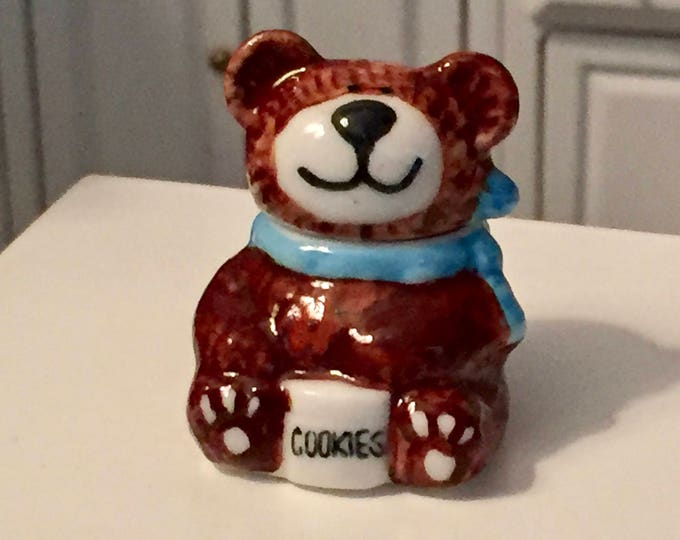 Miniature Bear Cookie Jar, Porcelain Cookie Jar, Dollhouse Miniature, 1:12 Scale, Dollhouse Accessory, Decor, Crafts, Topper