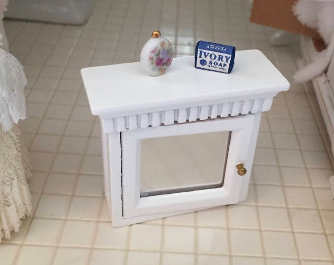 Miniature Medicine Cabinet, White Cabinet with Mirror and Shelf, Dollhouse Miniature Furniture, 1:12 Scale, Mini Wood Bathroom Cabinet