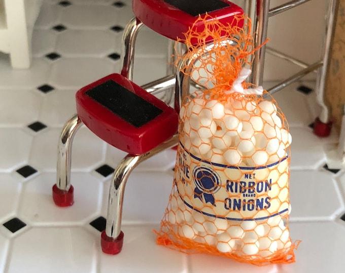 Miniature Onions, Bag of Mini Onions, Dollhouse Miniature, 1:12 Scale, Mini Food, Dollhouse Food, Crafts, Embellishment, Topper
