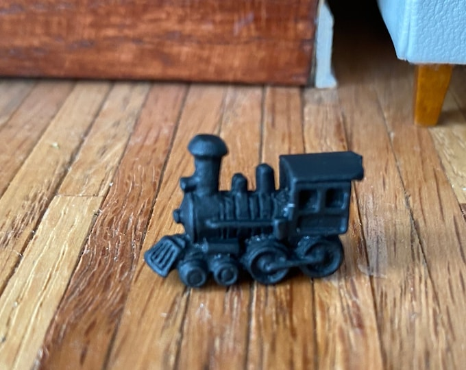 Miniature Train Engine, Dollhouse Miniature, 1:12 Scale, Mini Toy Steam Engine Train, Dollhouse Accessory, Decor, Crafts, Topper