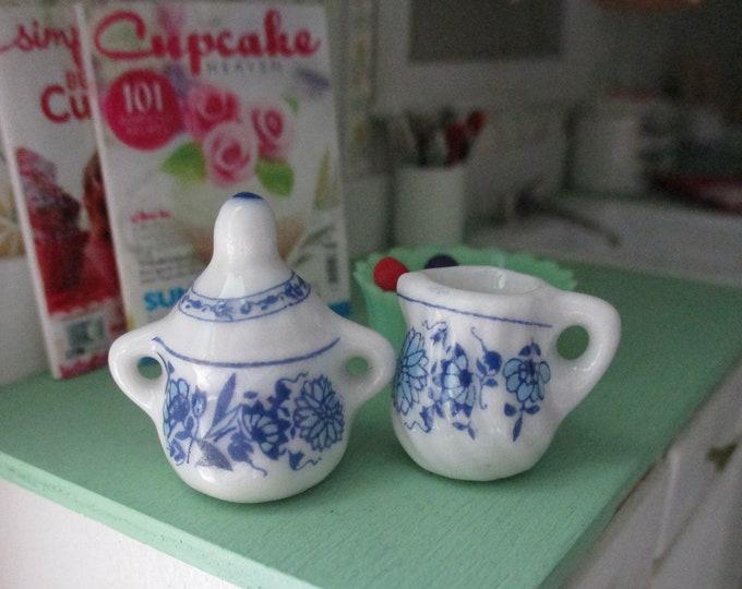 Miniature Cream and Sugar Set, Blue & White Ceramic Sugar Bowl And Creamer Set, 2 Pieces, Dollhouse Miniature, 1:12 Scale