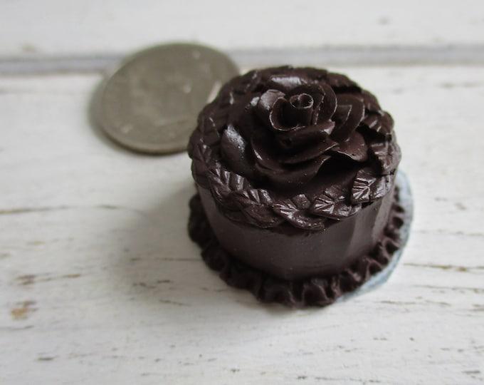 Miniature Cake, Mini Chocolate Cake on Paper Doily, Style #01, Dollhouse Miniature, 1:12 Scale, Dollhouse Food, Mini Cake, Dessert