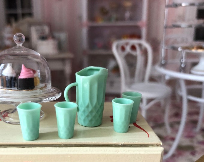 Miniature Green Pitcher and Glasses Set, Jadeite Look Pitcher and Glass Set, Dollhouse Miniature, 1:12 Scale, Dollhouse Accessories, Decor