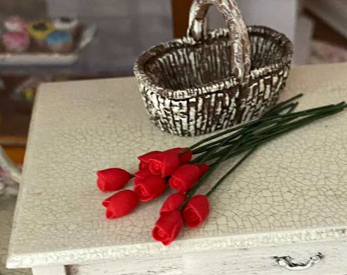 Miniature Flowers, Mini Red Rose Buds With Wire Stems, 12 Pc Set, Style #04-5, Dollhouse Miniature, 1:12 Scale, Mini Flowers