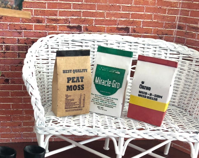 Miniature Gardening Products Set, Peat Moss, Weed Killer& Plant Food Bags, Dollhouse Miniatures, 1:12 Scale, Mini Garden Bags