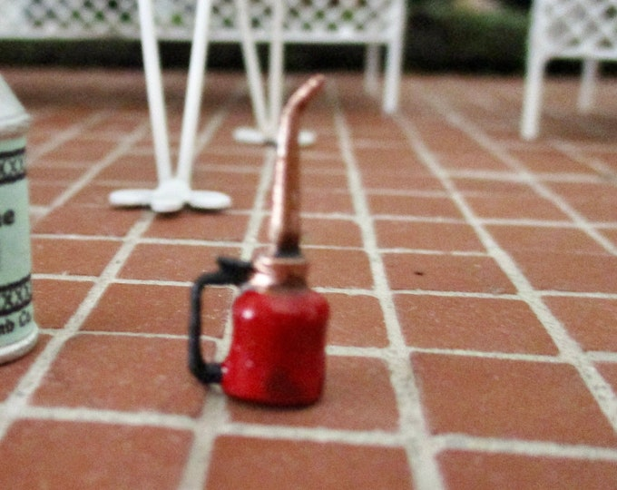 Miniature Red Oil Can, Mini Pump Style Oil Can, Dollhouse Miniature, 1:12 Scale, Mini Can, Dollhouse Garage Decor, Dollhouse Accessory