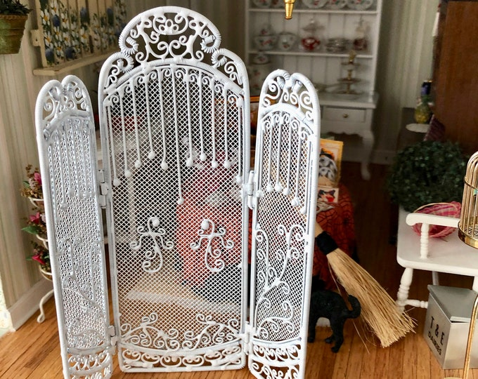 Miniature Folding Room Divider, 3 Sided Floor Screen,  White Metal Divider, Dollhouse Miniature, 1:12 Scale, Dollhouse Decor Accessory