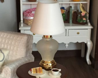 Miniature Table Lamp, Working LED Lamp With Battery, Dollhouse Miniature, 1:12 Scale, Dollhouse Light, Mini Lamp, Working Mini Light