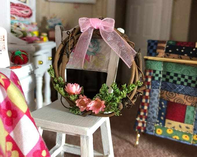 Miniature Wreath, Decorated Grapevine Wreath, Pink Flowers and Bow, Dollhouse Miniature, 1:12 Scale, Dollhouse Decor, Accessory