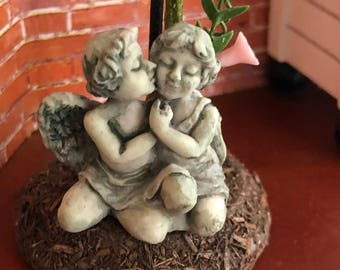 Miniature Kissing Cherubs Statue, Mini Yard & Garden Decor, Aged Look Lawn Ornament, Dollhouse Miniature, 1:12 Scale, Accessory, Topper
