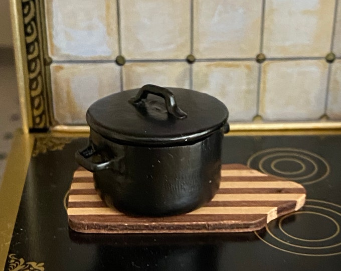 Miniature Black Pot, Mini Metal Black Pot With Lid, 2 Handle Pot, Style #04B, Dollhouse Miniature, 1:12 Scale, Dollhouse Accessory, Decor
