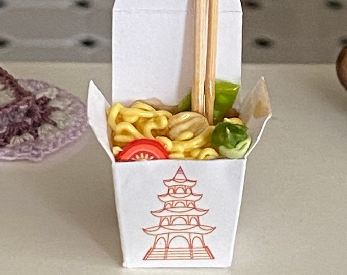 Miniature Chow Mein Chinese Take Out, Mini Carry Out Food, Dollhouse Miniature, 1:12 Scale, Miniature Food, Dollhouse Accessory, Decor