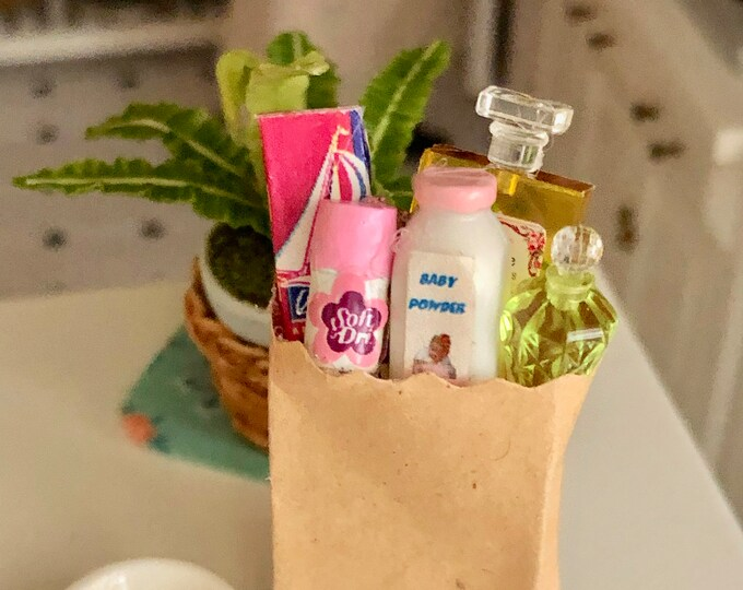 Miniature Grocery Bag, Filled Paper Bag, Dollhouse Miniatures 1:12 Scale, Dollhouse Bathroom Grocery Bag Style 1, Dollhouse Decor