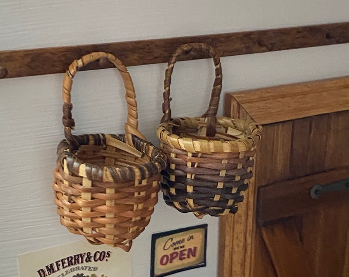 Miniature Hanging Baskets, 1 Handle Wall Bamboo Baskets, Set of 2, Dollhouse Miniatures, Dollhouse Accessory, Crafts, Decor