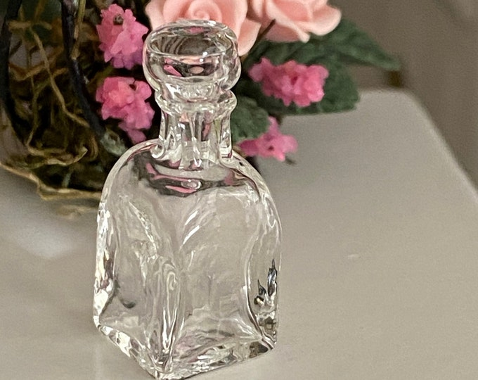 Miniature Square Glass Decanter with Removable Top, Style #01, Mini Glass Bottle, Dollhouse Miniature, 1:12 Scale, Accessory, Decor
