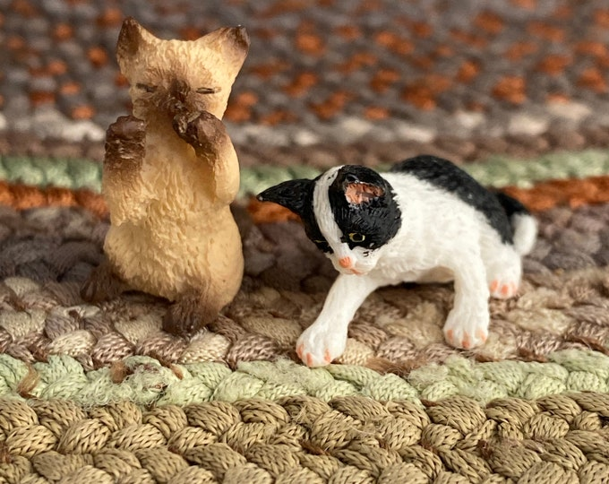 Miniature Playing Kittens, 2 Kittens, Black/White & Siamese, Dollhouse Miniature, 1:12 Scale, Dollhouse Pets, Mini Kitty Cat Figurines