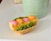 Miniature Easter Bread Cake In Basket, Dollhouse Miniature, 1 12 Scale, Dollhouse Food, Accessory, Mini Food
