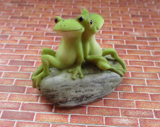 Frog Friends Figurine, Mini Frogs On Rock, Fairy Garden, Miniature Garden Decor, Shelf Sitter Figurine