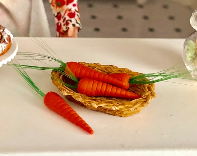 Miniature Carrots, Mini Set of Carrots, 4 Pieces, Dollhouse Miniature, 1:12 Scale, Mini Food, Dollhouse Food, Crafts, Embellishment, Topper