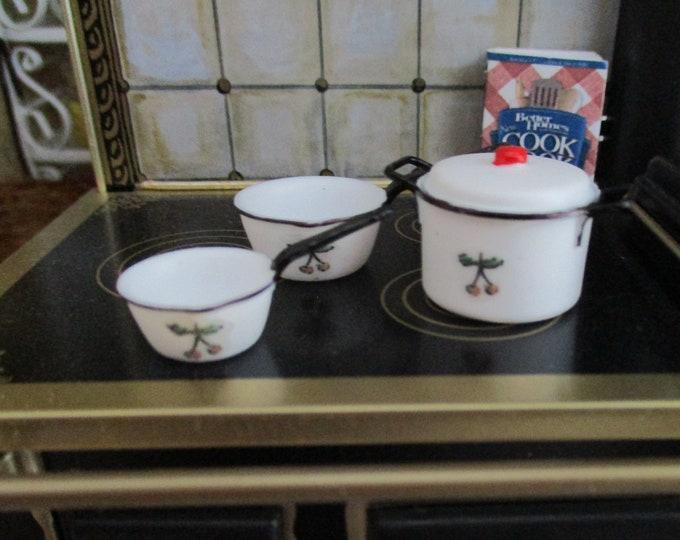 Miniature Cherry Cookware Set, Mini Pots with Lid, 4 Piece Set, Dollhouse Miniature, 1:12 Scale, Dollhouse Accessories, Kitchen Decor